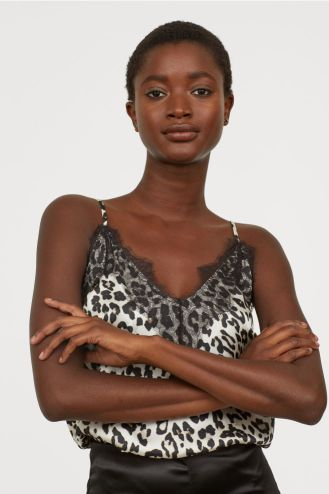 https://www.brownthomas.com/women/bags/snapshot-camera-bag/131152688.html?cgid=womens-bags