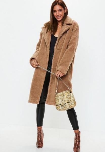 https://www.missguided.eu/brown-chunky-borg-teddy-coat-10128996