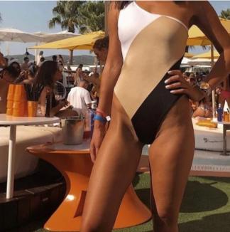 https://cravecloset.com/collections/swimwear/products/kellie-swimsuit-colour-block